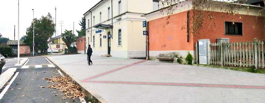 Piazza-pubblica-Parabiago-Milano-pavimentazione-in-pietra-sinterizzata-L'altra-Pietra-Colosseo-tipovals