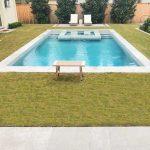 Lastre in pietra sinterizzata L'ALTRA PIETRA Duomo Bluestone Grey Villetta con piscina Texas