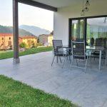 Lastre in pietra sinterizzata L'ALTRA PIETRA Castello Grey Villetta privata Bergamo Vertova