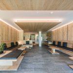 Winkler-Hotel-pavimento-e-rivestimento-in-pietra-sinterizzata-L'Altra-Pietra-Harena-Calanca-Light-e-Dark-40x120x2-cm