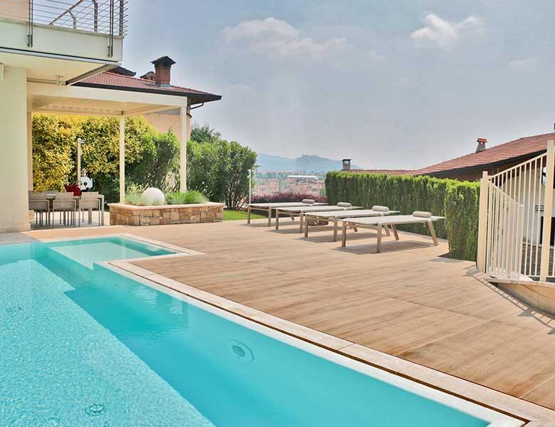 Pavimento in pietra sinterizzata in casa privata Bergamo